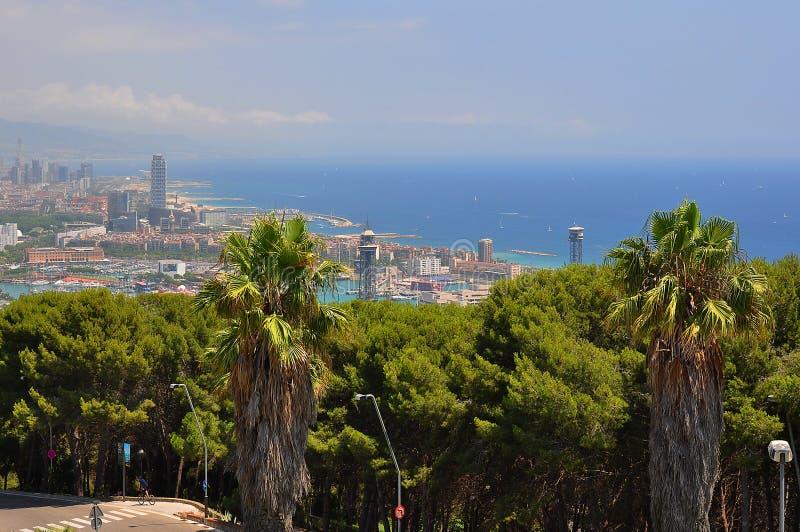 Arquitetura da cidade de Barcelona e litoral, Espanha foto de stock royalty free