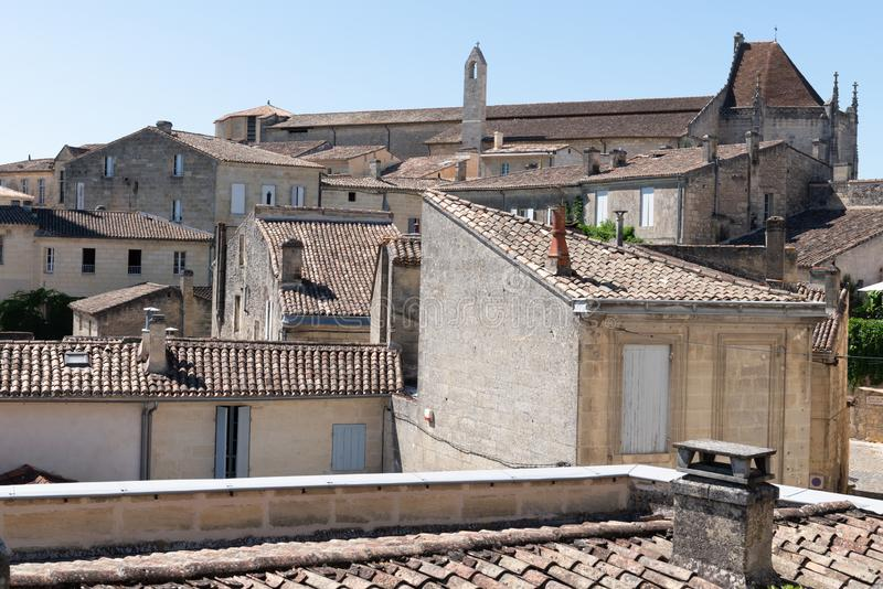 Arquitetura da cidade do Bordéus França de Saint Emilion da vila do centro fotos de stock