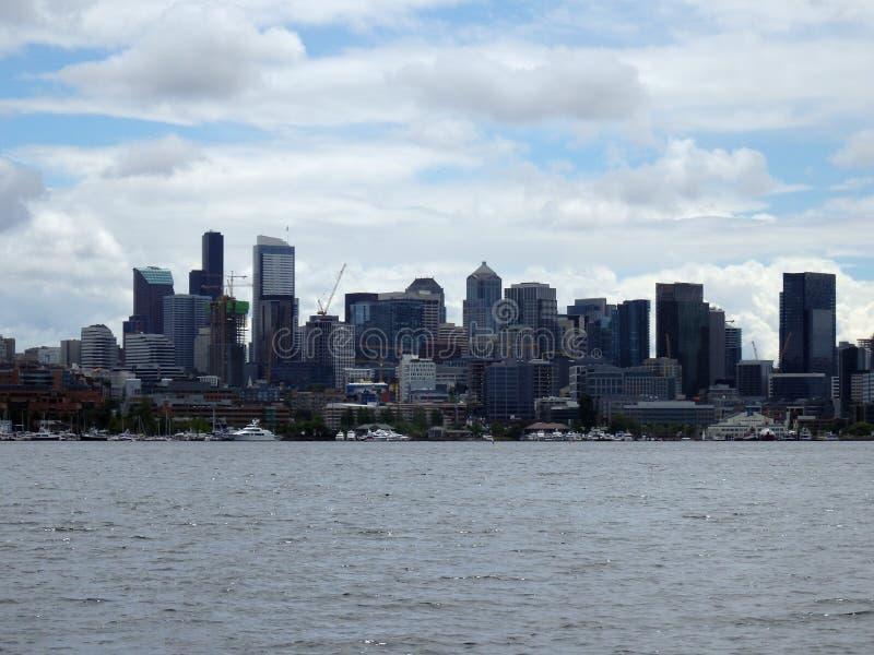 Arquitetura da cidade do lago e do Seattle union imagens de stock royalty free
