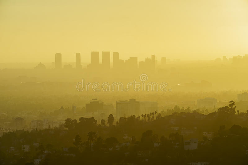 Arquitetura da cidade do por do sol de Los Angeles Westwood de Griffith Park imagens de stock royalty free