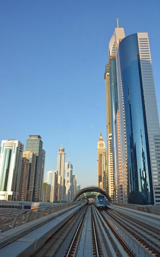 Arquitetura da cidade, metro, Dubai fotos de stock royalty free