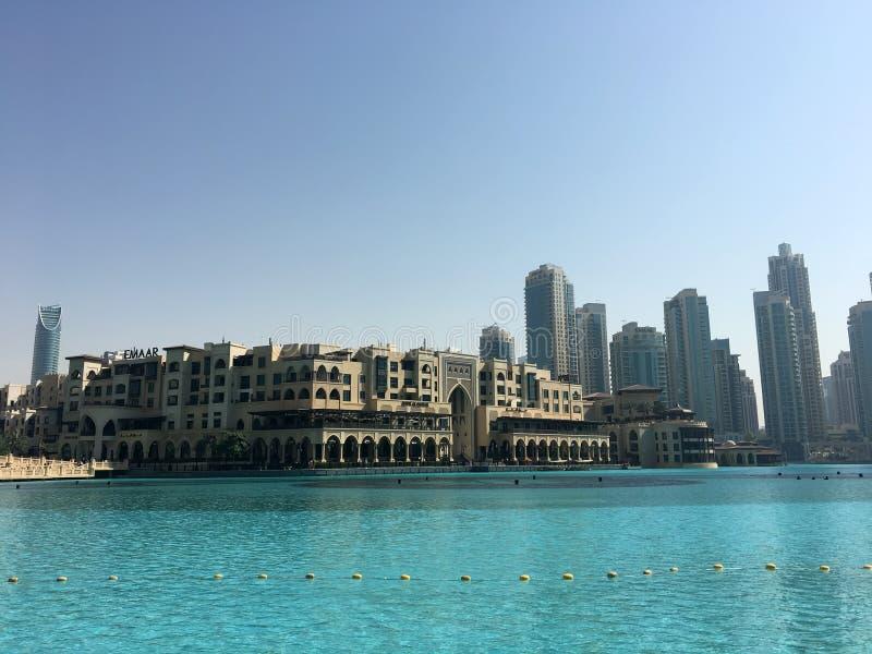 Arquitetura da cidade no dia de Dubai foto de stock