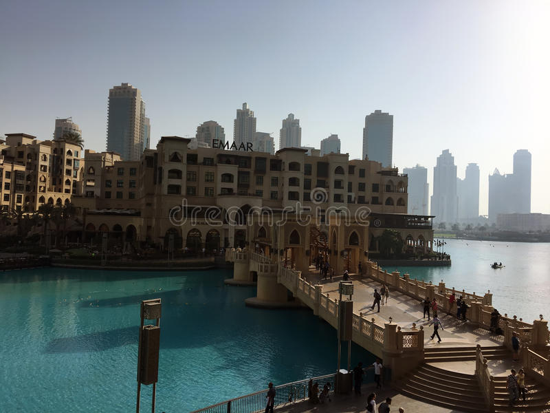 Arquitetura da cidade no dia de Dubai imagens de stock