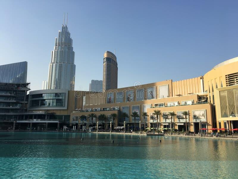 Arquitetura da cidade no dia de Dubai fotos de stock