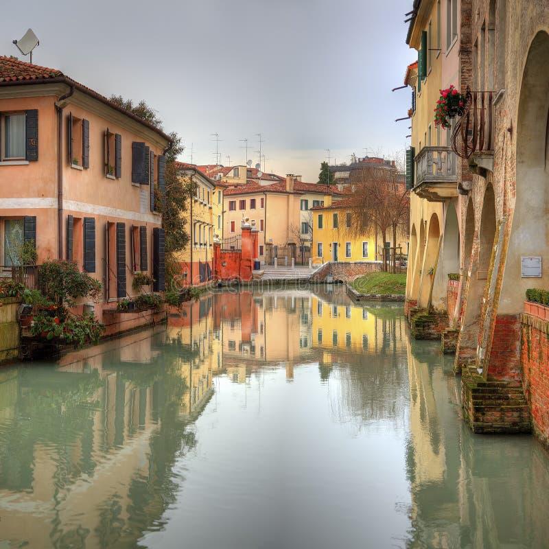 Arquitetura da cidade romântica Italia de Treviso foto de stock royalty free