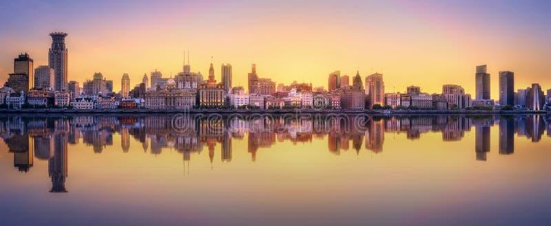 Arquitetura da cidade da skyline de Shanghai imagens de stock