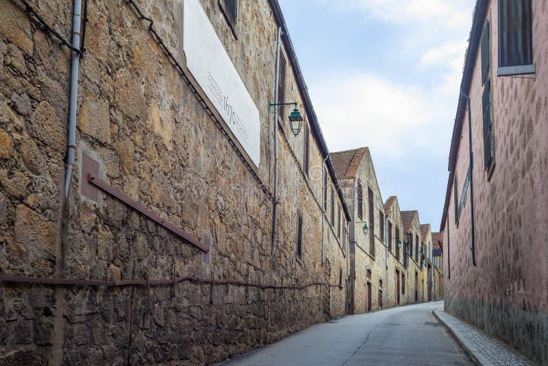 Arquitetura da construção da adega de vinho do Porto de Vila Nova de Gaia, cidade de Porto o Porto imagem de stock