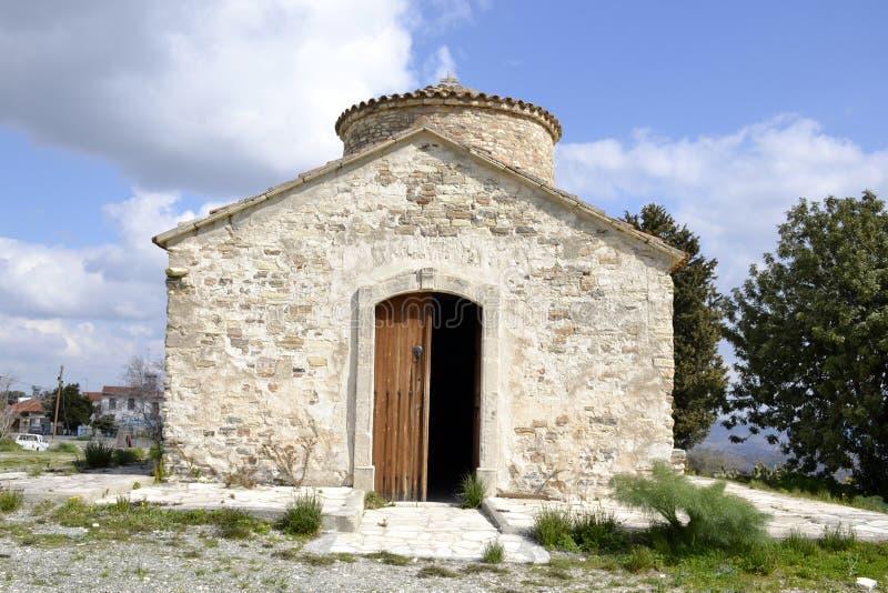 Arquitetura da igreja velha na vila de Kato Lefkara fotos de stock