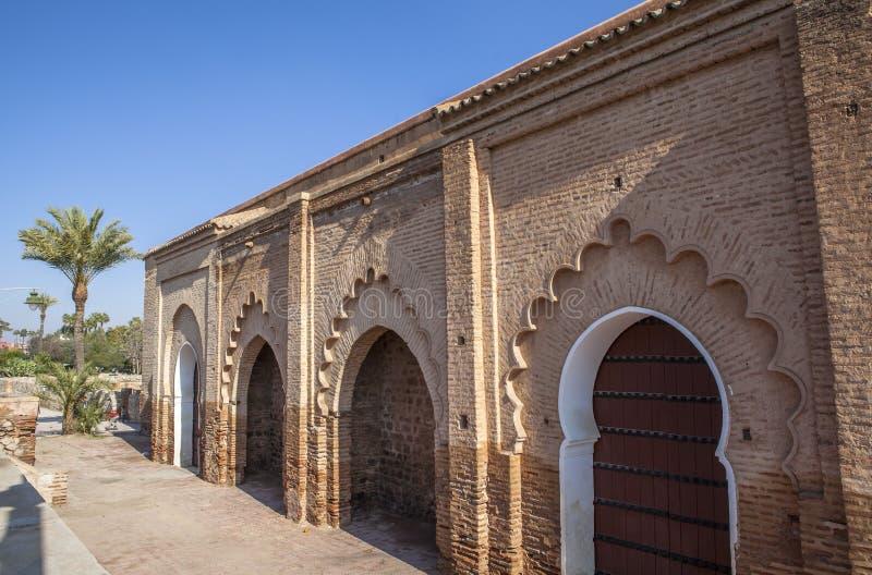 Arquitetura da mesquita em C4marraquexe, Marrocos imagem de stock