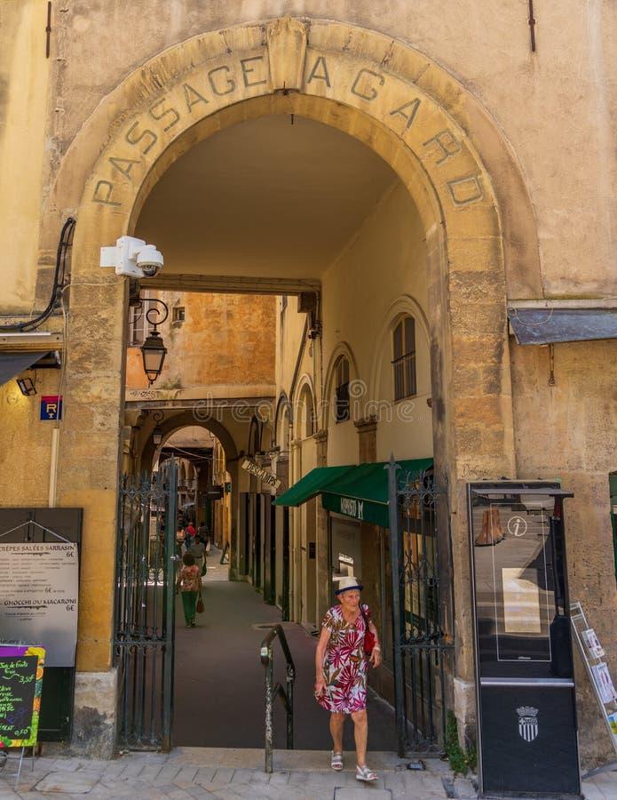 Arquitetura da porta do Agard em Aix-en-Provence fotografia de stock royalty free