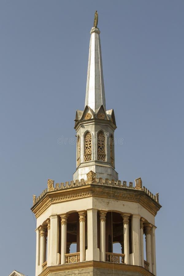 Arquitetura da torre do minarete, Bishkek, Quirguizistão imagens de stock