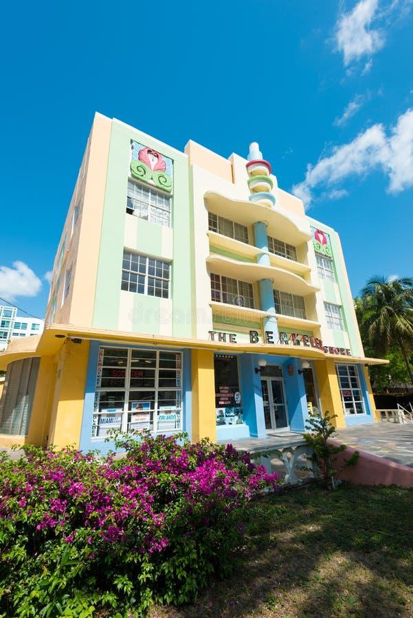 Arquitetura de Art Deco na movimentação do oceano na praia sul, Miami imagem de stock