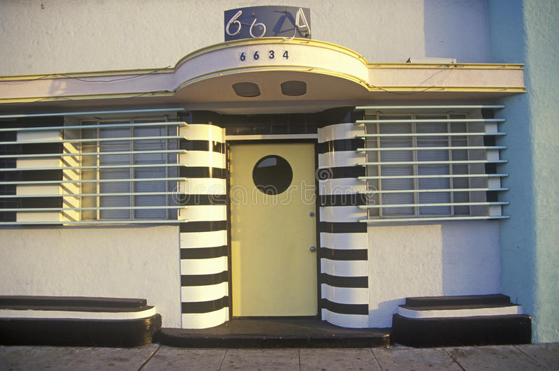 Arquitetura de Art Deco no bulevar do por do sol, Los Angeles, Califórnia imagem de stock