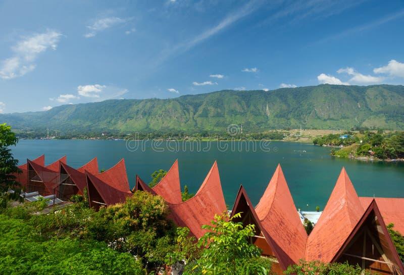Arquitetura de Batak, Tuk Tuk Samosir imagens de stock royalty free