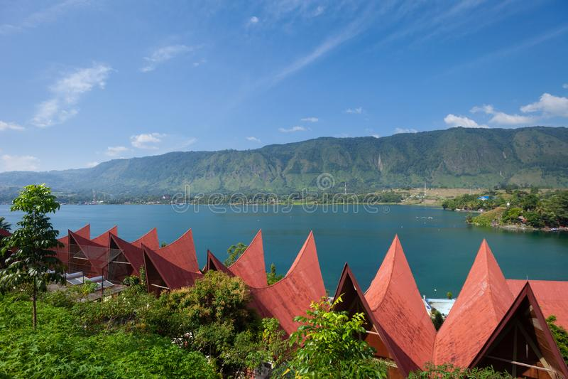 Arquitetura de Batak, Tuk Tuk Samosir fotografia de stock