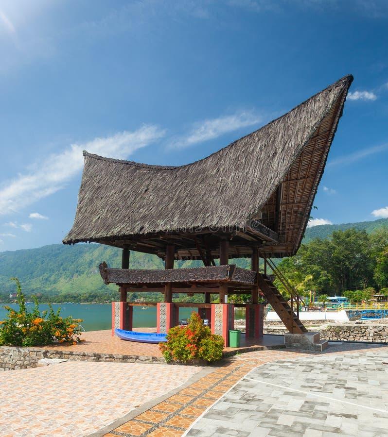 Arquitetura de Batak, Tuk Tuk Samosir foto de stock royalty free