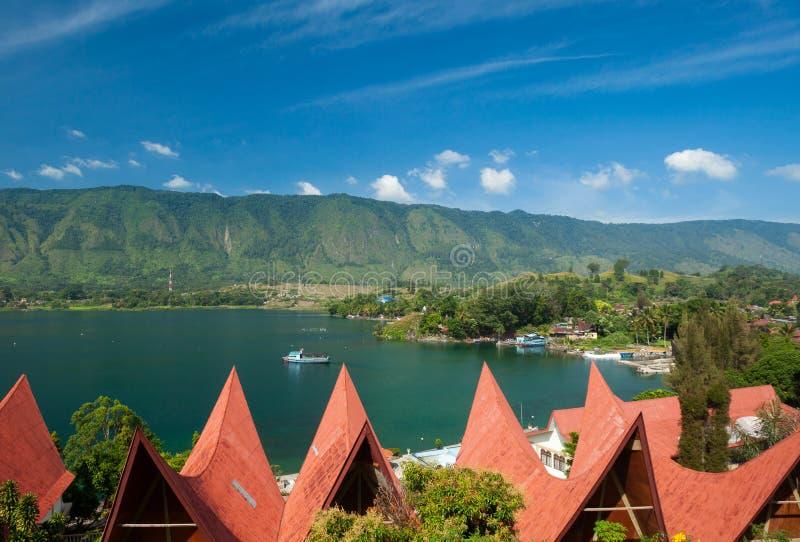 Arquitetura de Batak, Tuk Tuk Samosir imagem de stock royalty free