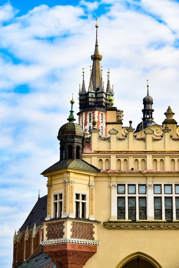 Arquitetura de Krakow, Polônia, Bazylika Mariacka foto de stock