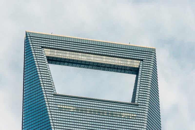 A arquitetura detalha o centro financeiro pudong Shan de mundo de Shanghai imagens de stock