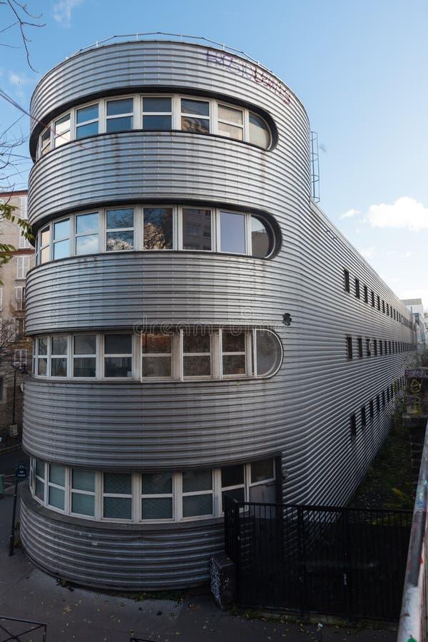 Download Arquitetura Do Futurismo De Averistic Em Paris Foto Editorial - Imagem de dusk, memorial: 107526341