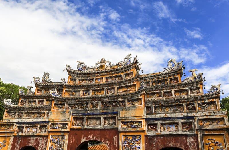 Arquitetura do templo a citadela antiga da matiz, Vietname imagem de stock royalty free