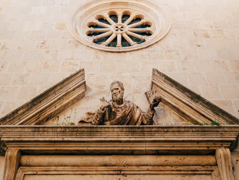 Arquitetura e estátuas da cidade velha de Dubrovnik fotografia de stock royalty free