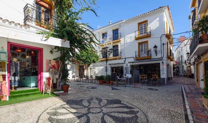 Arquitetura espanhola de Raditional da cidade velha de Marbella, a Andaluzia, Espanha imagem de stock royalty free