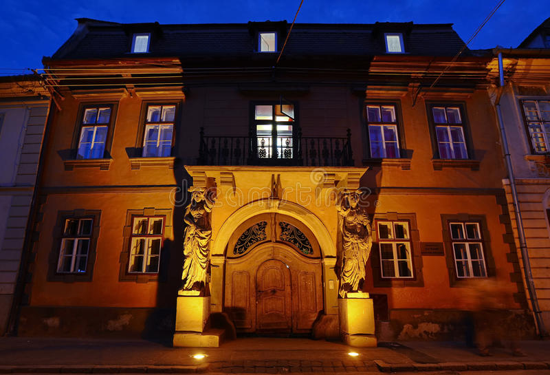 Arquitetura histórica em Sibiu imagens de stock