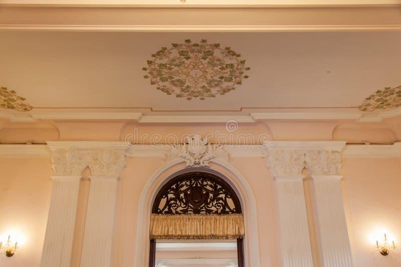 Arquitetura interna de Chao Phya Abhaibhubejhr fotos de stock