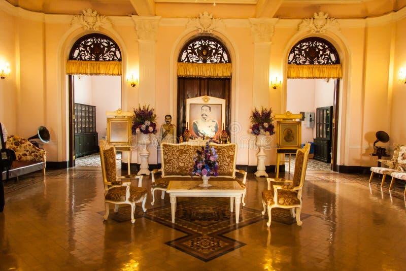 Arquitetura interna de Chao Phya Abhaibhubejhr imagens de stock royalty free