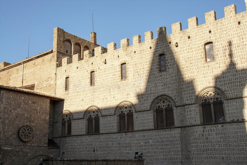Arquitetura medieval do palácio dos papas foto de stock royalty free