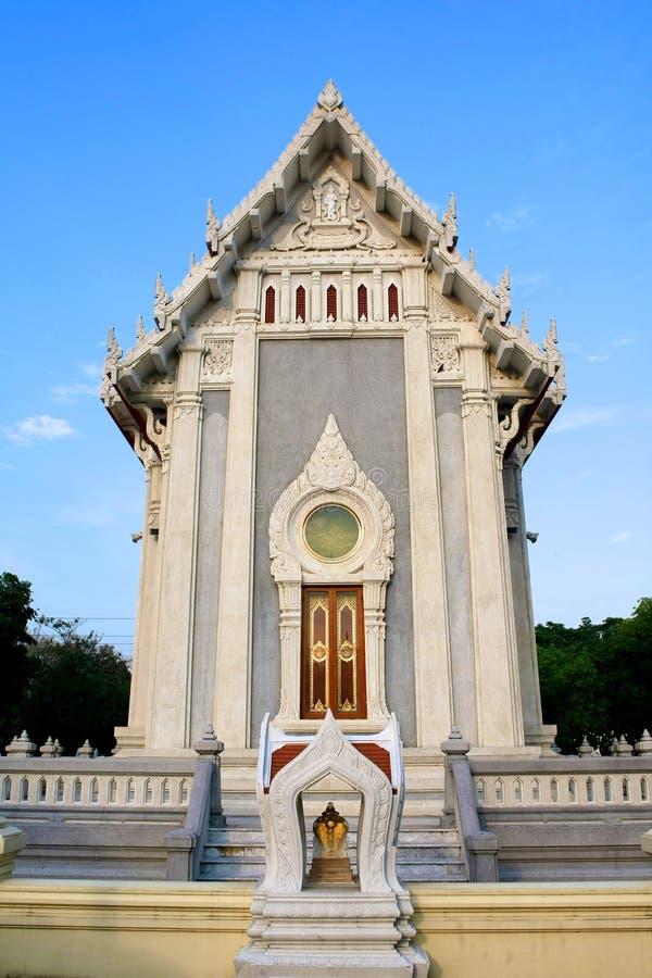 Download Templo Moderno Tailandês Do Estilo Imagem de Stock - Imagem de cerca, moderno: 29830265