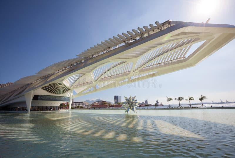 A arquitetura moderna de Museu faz o museu de Amanhã do amanhã em Rio de janeiro imagens de stock