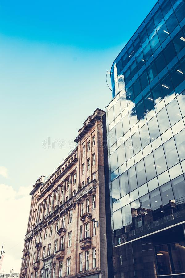 Arquitetura moderna, de vidro no centro de Glasgow imagem de stock royalty free