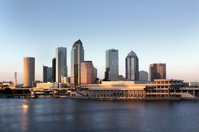 Arquitetura moderna dentro de Tampa, Florida EUA fotografia de stock royalty free