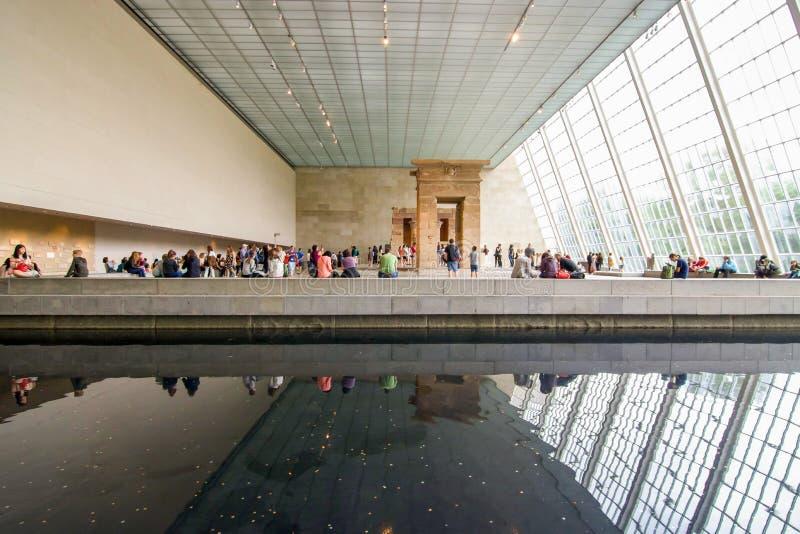Arquitetura moderna do museu imagens de stock