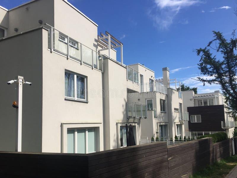 Arquitetura moderna do Polônia de Gdynia Orlowo fotografia de stock royalty free