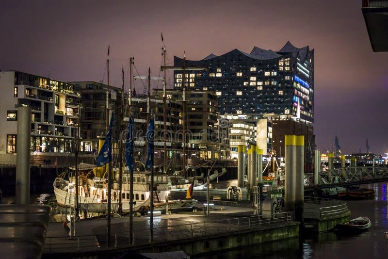 Arquitetura moderna HafenCity do escritório, i Hamburgo, Alemanha imagens de stock