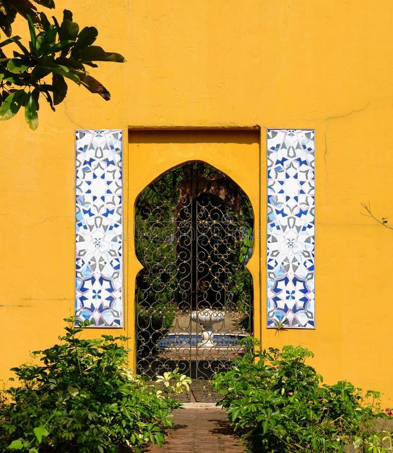 Arquitetura no estilo de Marrocos imagens de stock royalty free