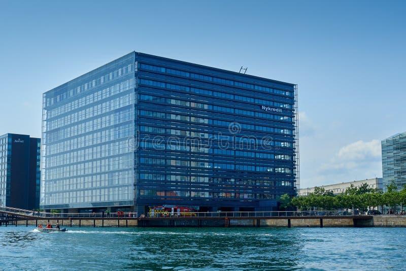 A arquitetura Nykredit Copenhaga de Crystal Modern foto de stock royalty free