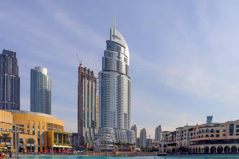 Arquitetura o 25 de dezembro/2018 da skyline de Dubai, UAE Paisagem da cidade de Dubai Opinião panorâmico do por do sol da skylin imagens de stock royalty free
