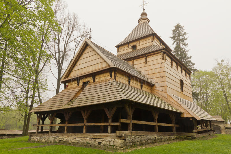 A arquitetura Ortodoxa Oriental a mais velha da igreja em poland no radruz do século XVI foto de stock royalty free