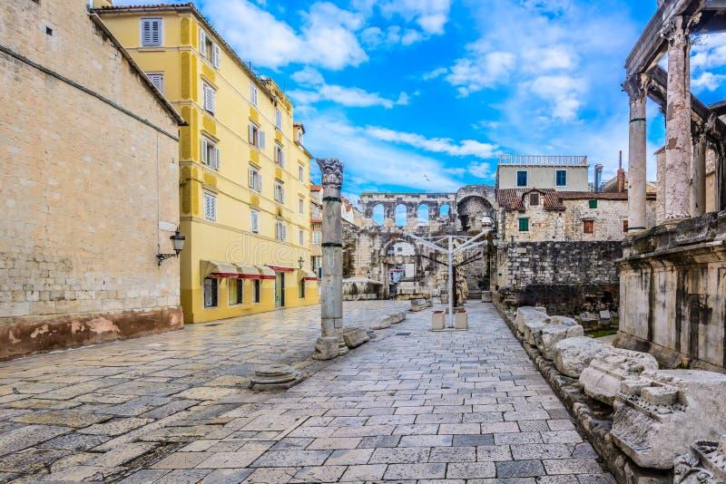 Arquitetura romana na separação da cidade, marco europeu imagens de stock royalty free