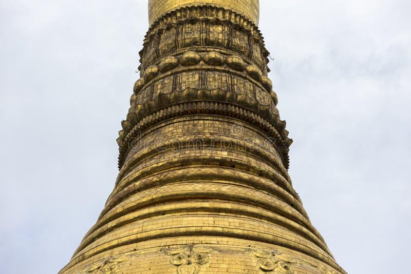 Arquitetura tradicional do templo do stupa dourado no pagode Yangon Myanmar 3Sudeste Asiático do shwedagon fotografia de stock royalty free