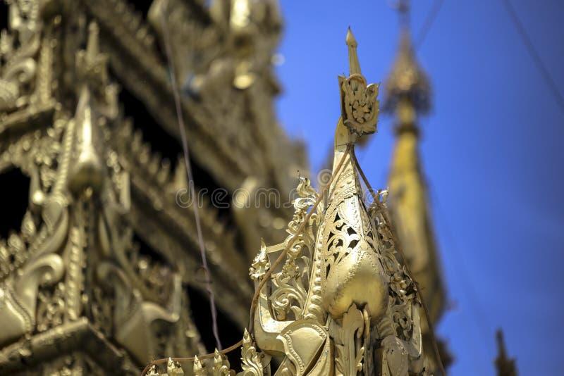 Arquitetura tradicional do templo do stupa dourado no pagode Yangon Myanmar 3Sudeste Asiático do shwedagon fotografia de stock