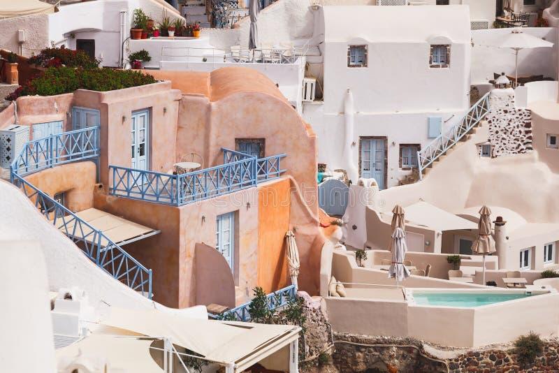 Arquitetura tradicional em Santorini, vila de Oia, Grécia fotos de stock royalty free