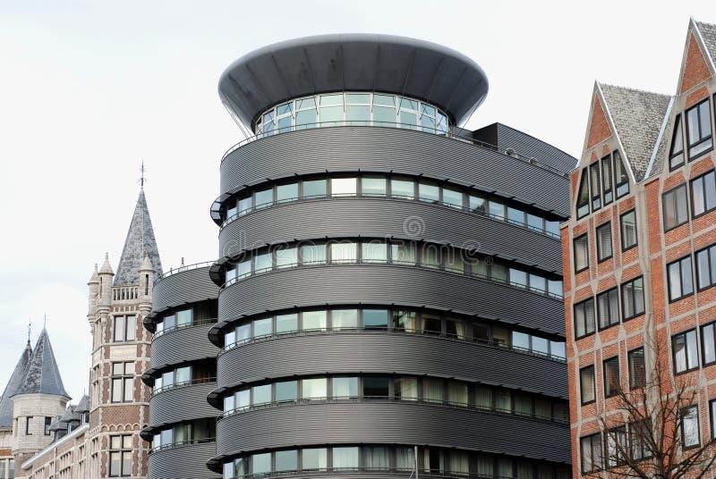 Arquitetura velha e nova fotografia de stock
