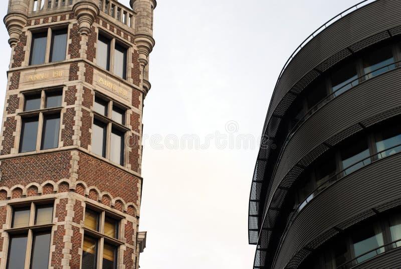 Arquitetura velha e nova fotos de stock
