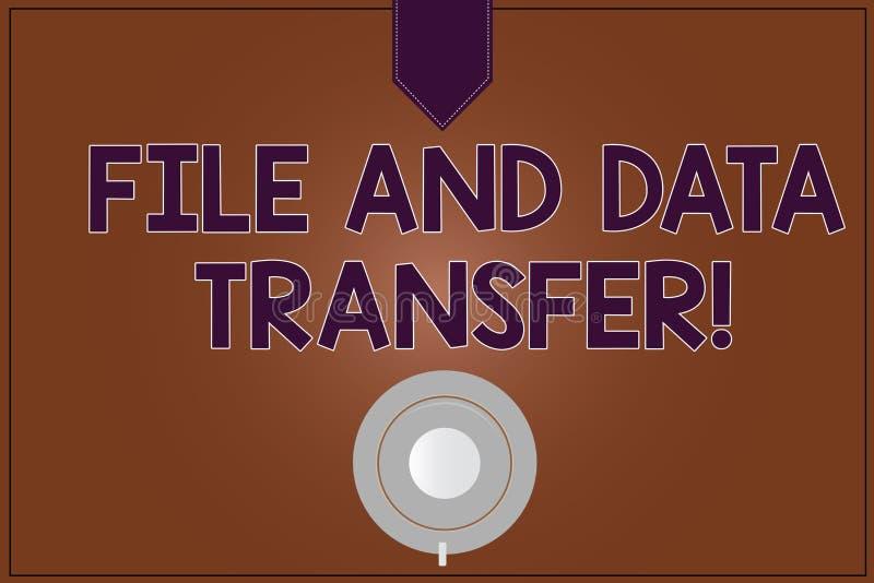 Arquivo da exibição da escrita da mão e transferência de dados conceptuais Informação de transferência apresentando da foto do ne ilustração royalty free