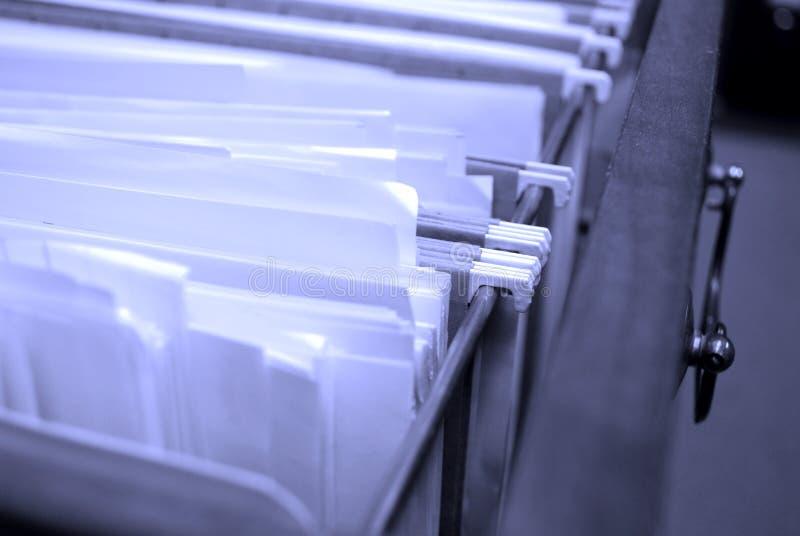 Arquivos na gaveta de arquivo imagem de stock